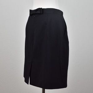 Kate Spade black pencil skirt size 6, side pockets